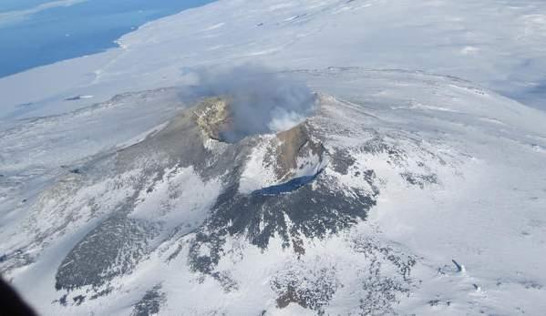 erebus-volcano_l