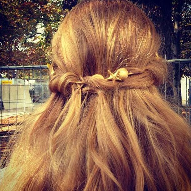 valentino-hair-accessory