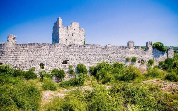 Templarska utvrda u Vrani