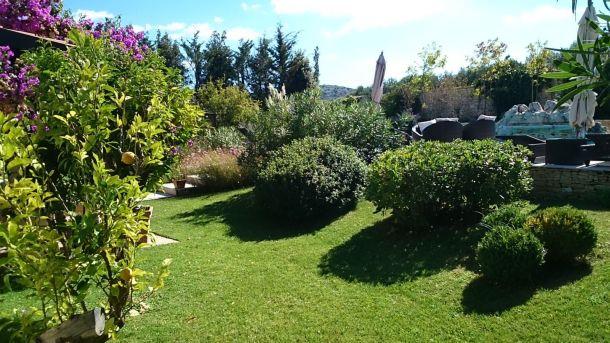 villa-renata-dvoriste