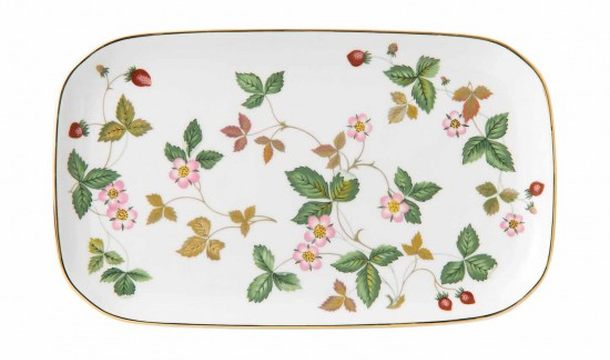 Wedgwood wild strawberry sandwich tray