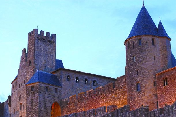 dvorac-carcassonne
