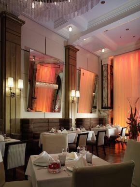 zinfandels-restaurant-11