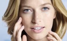 Zašto je Q10 obvezni sastojak u njezi kože lica
