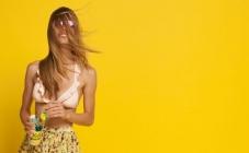 Naglasite outfit nekom od toplih boja ljeta