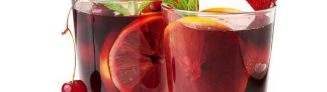 Španjolska sangria – koktel od crvenog vina i ljetnoga voća
