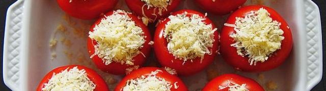 Punjene rajčice slastan recept kojem je teško odoljeti
