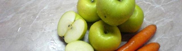 Sok od mrkve i jabuka