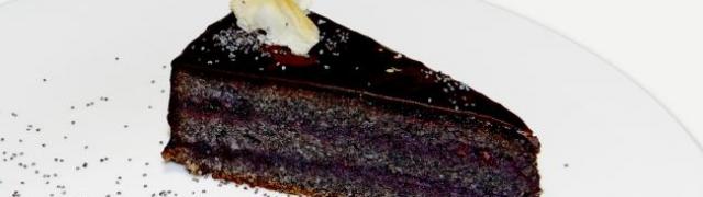 Torta od maka sa šumskim voćem by Les Ponts