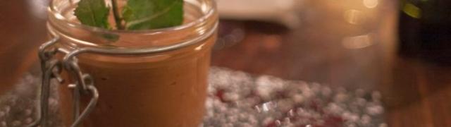 Čokoladni mousse s kavom