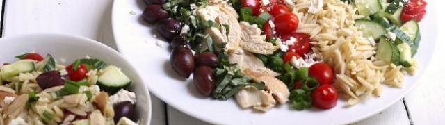 Pileća Orzo ljetna salata