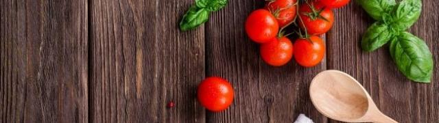 Rajčica po rajčica salata – paradajz po paradajz zimnica