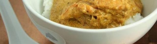 Jednostavna curry piletina s kokosovim mlijekom