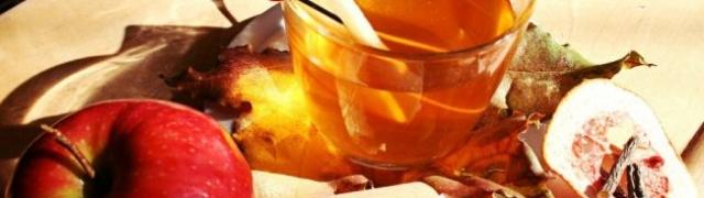 Topli voćni rum punč za zimske dane