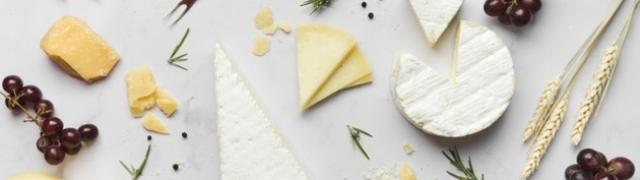 Camembert sir s plemenitom plijesni koji izaziva zazubice