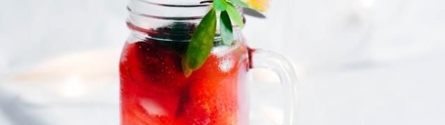 Napravite domaći Radler s jagodama