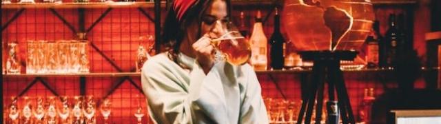 Žene su vratile kult piva u modu