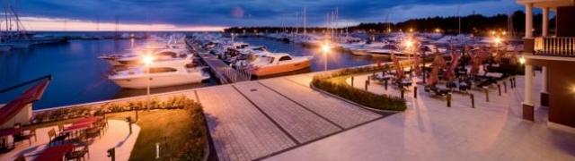 Novi pogled na idiličan odmor u Novigradu: marina i hotel Nautica