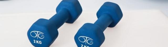 Vježbanje ili ne vježbanje s bučicama pitanje je sad