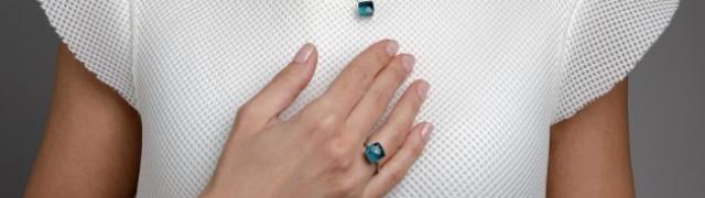 Kolekcija nakita prepuna vedrih boja