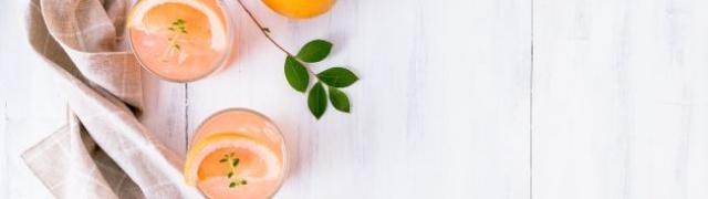 Pjena od naranče svježi desert usred zime