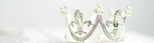 Kako je princeza Diana postala fashion ikona 2020.