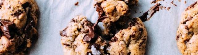 Keksi od kakaa, čokolade i lješnjaka savršeni su uz kavu ili čaj
