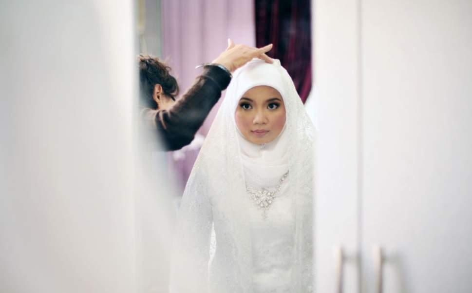 non musliman muškarac izlazi s muslimanskom ženom