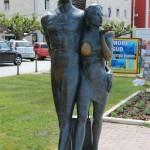 Spomenik turistima Makarska