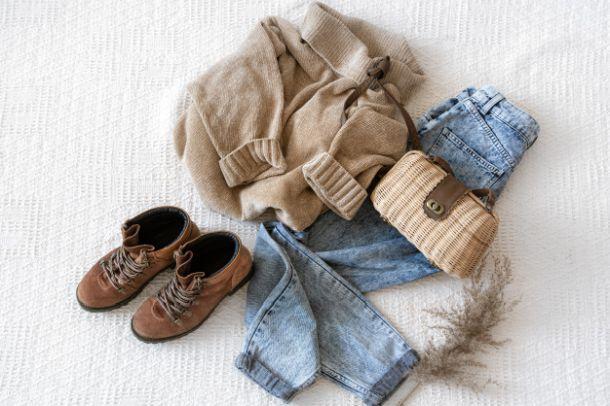odjeca cipele traperice majica