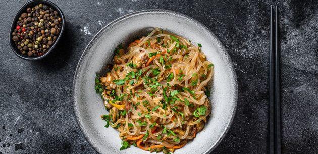 jela u woku junetina i rizini rezanci recept