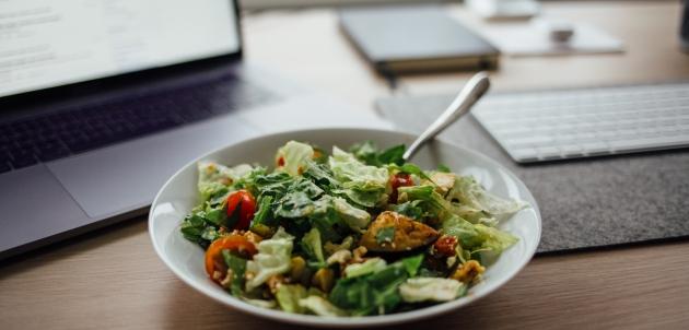 caprese talijanska salata tofu