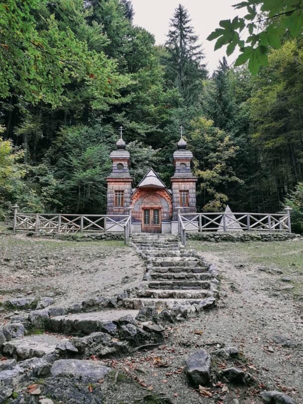 ruska kapelica kranjska gora slovenija