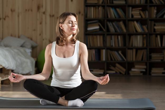 meditacija stres odmor zena