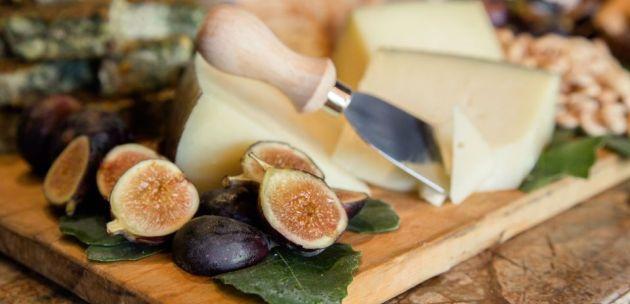 Sirevi kroz povijesnu sirnu priču