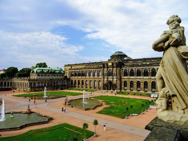 kraljvska-palaca