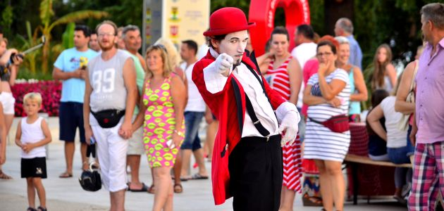 "Festival uličnih zabavljača ""CrikvArt"""
