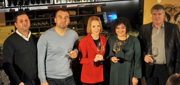 salon-pjenusavih-vina