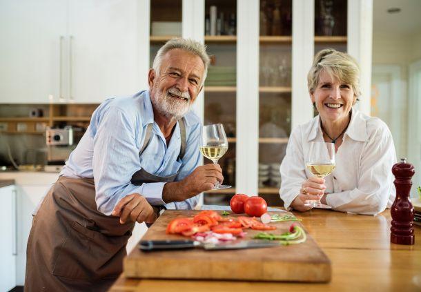 vino vina stariji ljudi ljubav