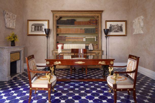 villa-amalfi-coast-sorrento-italy-knjižnica