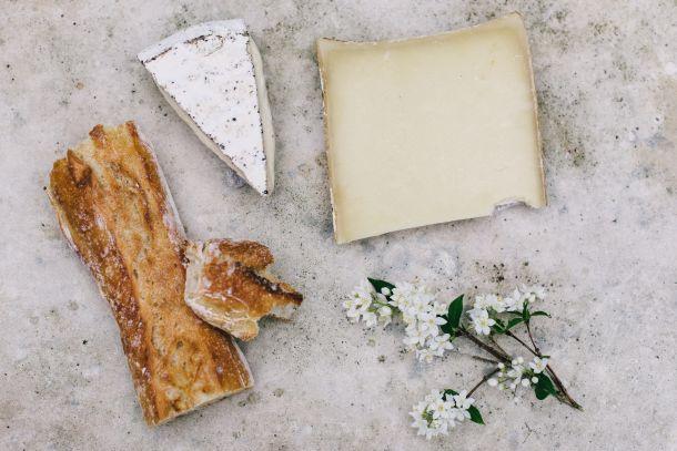 francuski kruh hrana sir