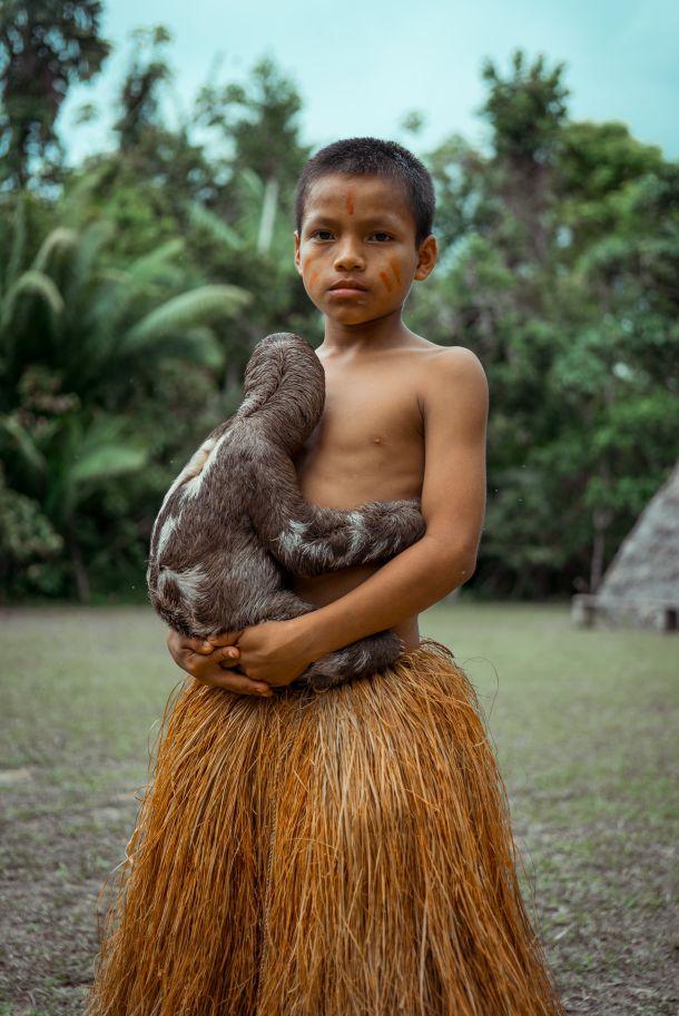 amazona dječak