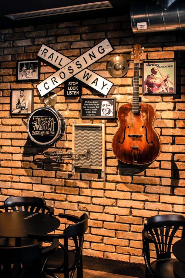 booze-blues-bar-unutrasnjost-4
