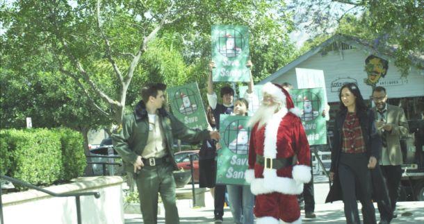 film-defending-santa-1