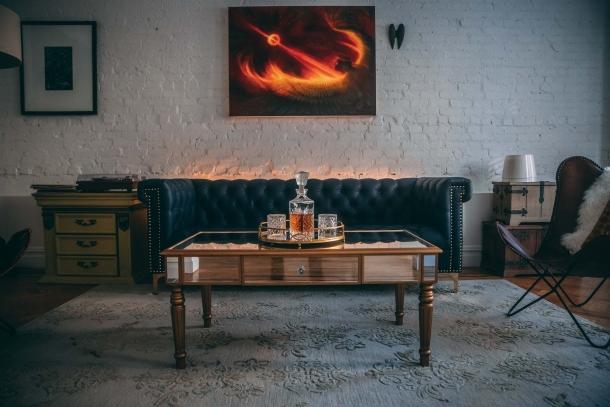 stol interijer soba dnevni boravak