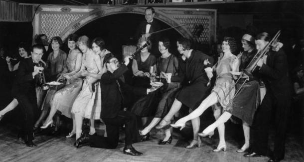 flappers-parody-club-1