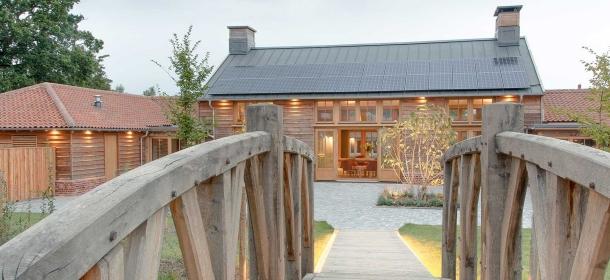 Retreat-East-The-Farmhouse