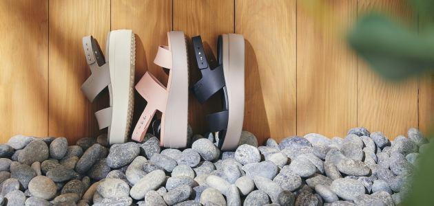 Crocs sandale Brooklyn stil i udobnost u jednom