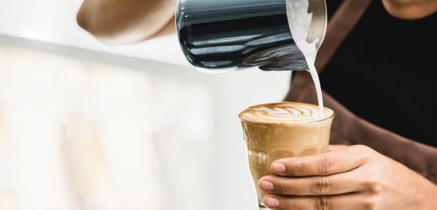 priprema recept za kavu caffe latto