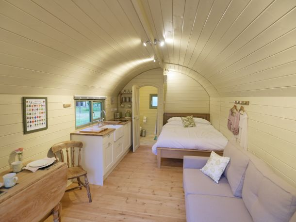 orchard-farm-luxury-glamping-1
